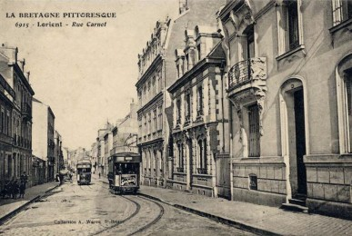 Rue Carnot - vue depuis le tournant de la rue allant vers le pont tournant