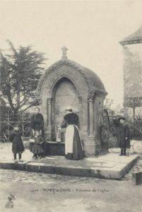 Port-Louis - Fontaine et Calvaire de l'église Notre Dame de l'Assomption